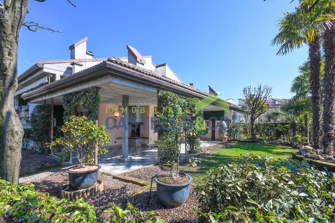 vs53 Villa in vendita a Desenzano del Garda