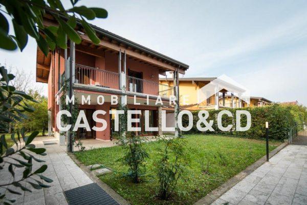 Villa in esclusivo residence con piscina