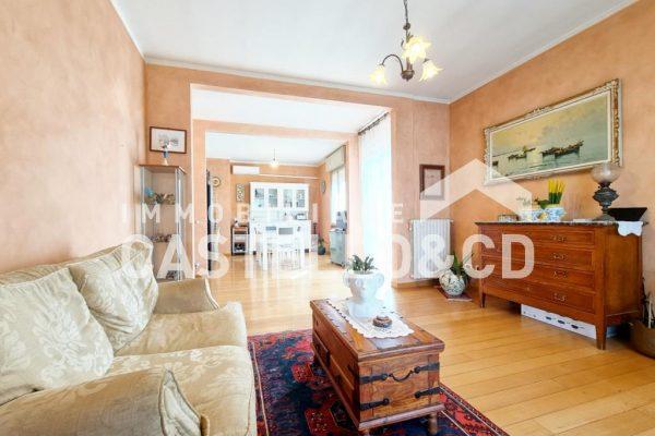 Appartamento in Bifamiliare con Giardino