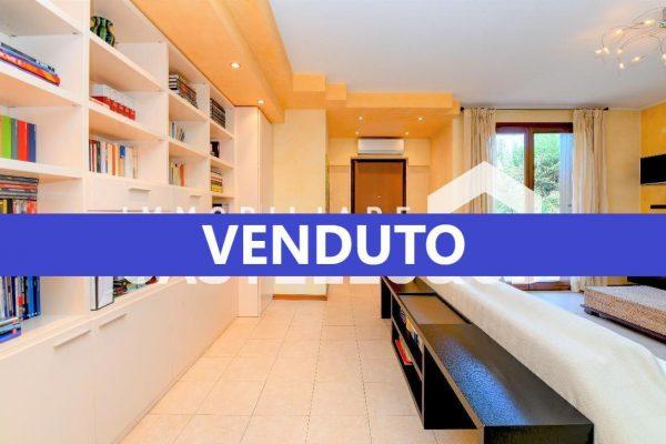 Villa Bifamiliare in complesso residenziale