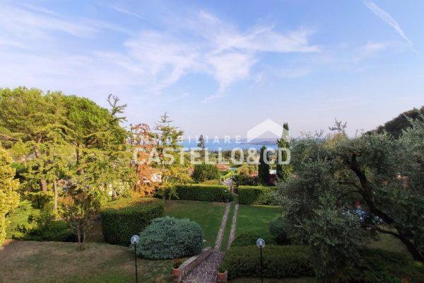 Elegante Villa singola con parco