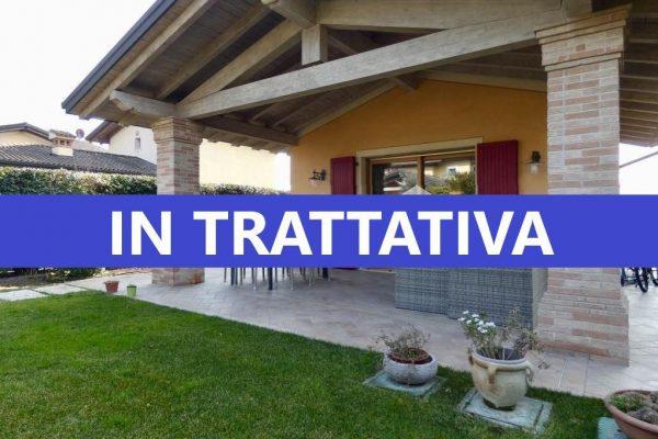 Villa in Residence con Piscina