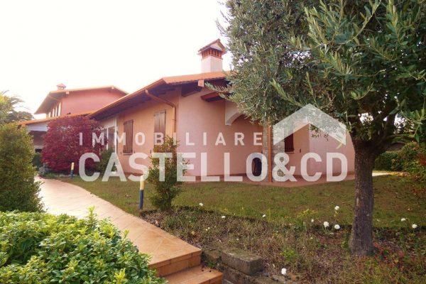 Villetta singola in residence con Piscina